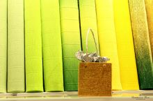 Krepový papír role 50cm x 2,5m - tm. zelená 560